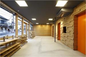 空き家を改修してつくられた出雲市の観光案内所「おもてなしステーション」